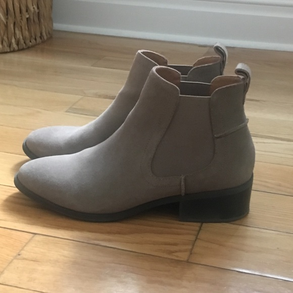 ad508cadaf0 Steve Madden Dicey Suede Booties